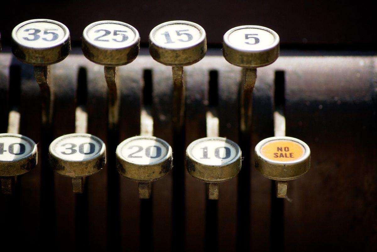 Jakikolwiek szef sklepu ma zobowiązanie dysponowania kasy fiskalnej konieczna jest w przypadku prowadzenia działalności gospodarczej.